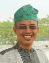GURU, SULUH DI SETIAP KELUH (Puisi Musa Ismail)