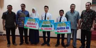 Disdik Bengkalis Serahkan Beasiswa Siswa Berprestasi Akademik Rp397.800.000